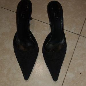 Gucci slip on low heels